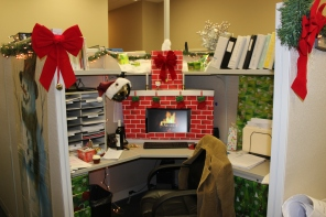 The winning decorated desk!